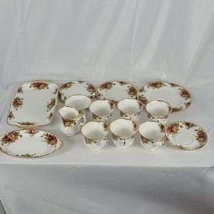 COPY - Royal Albert old country roses tea set for 6